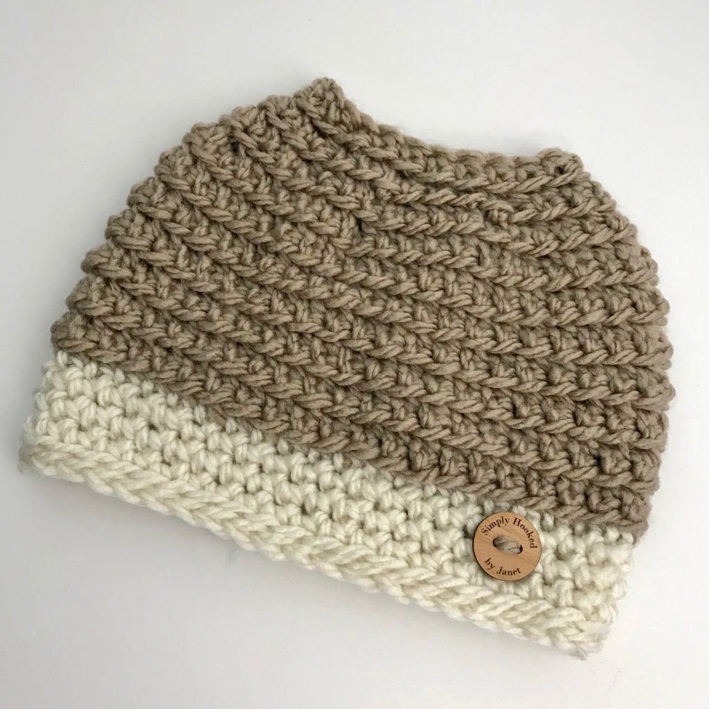 2 tone crochet messy bun hat