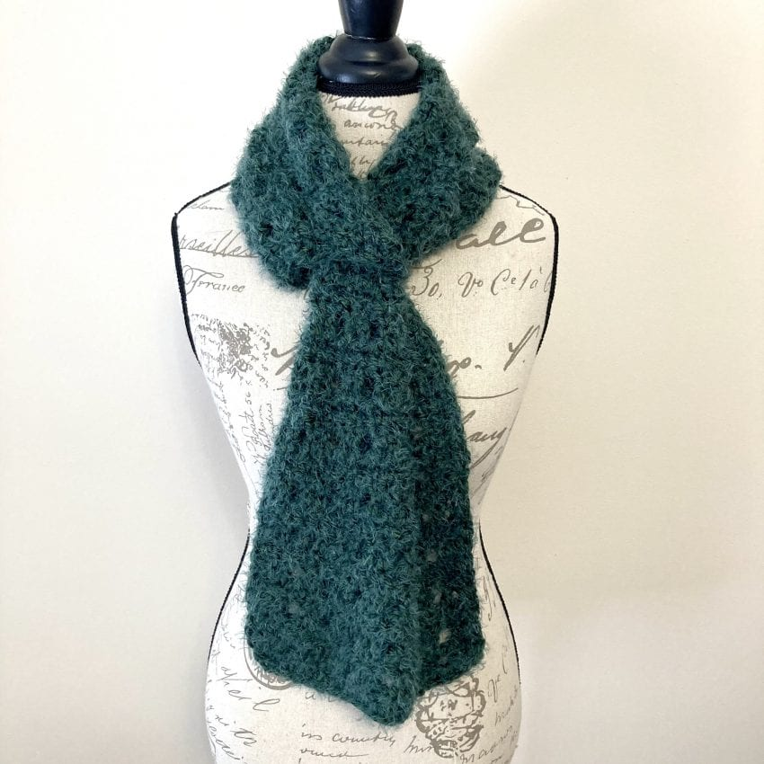 easy crochet keyhole scarf
