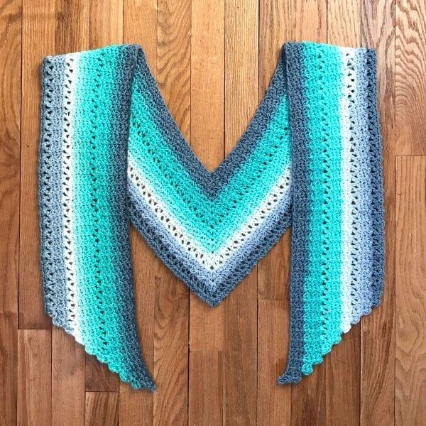 teal & gray crochet v scarf